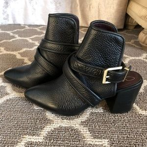 Report signature wrap around ankle boot